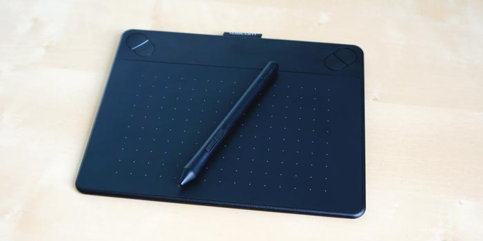 The Intuos Photo Pen and Touch tablet