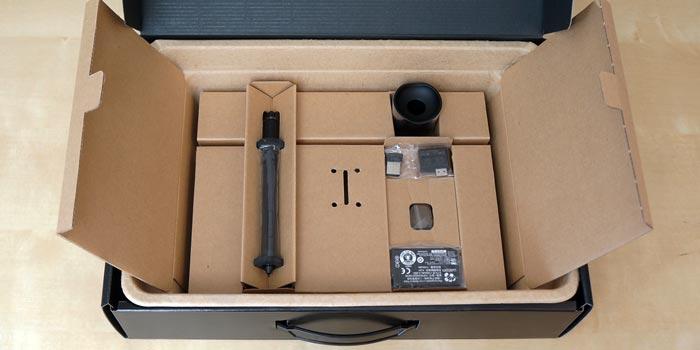 Wacom tablet box contents - pen and wifi